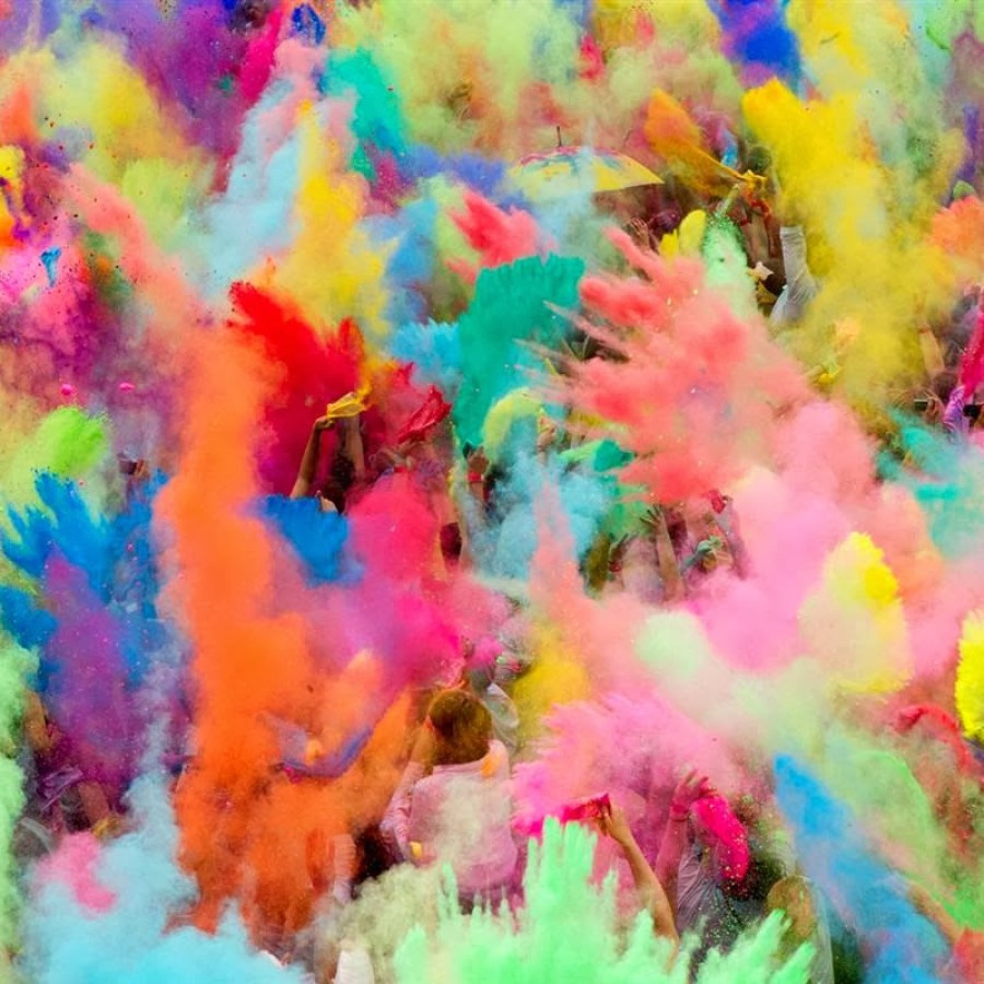 Happy Holi 2014 Lovely HD Images and Pictures colors in holi