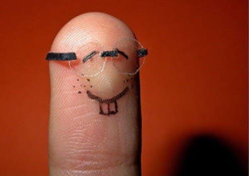 funny_finger_art_10