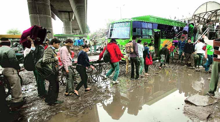 delhi road and bus
