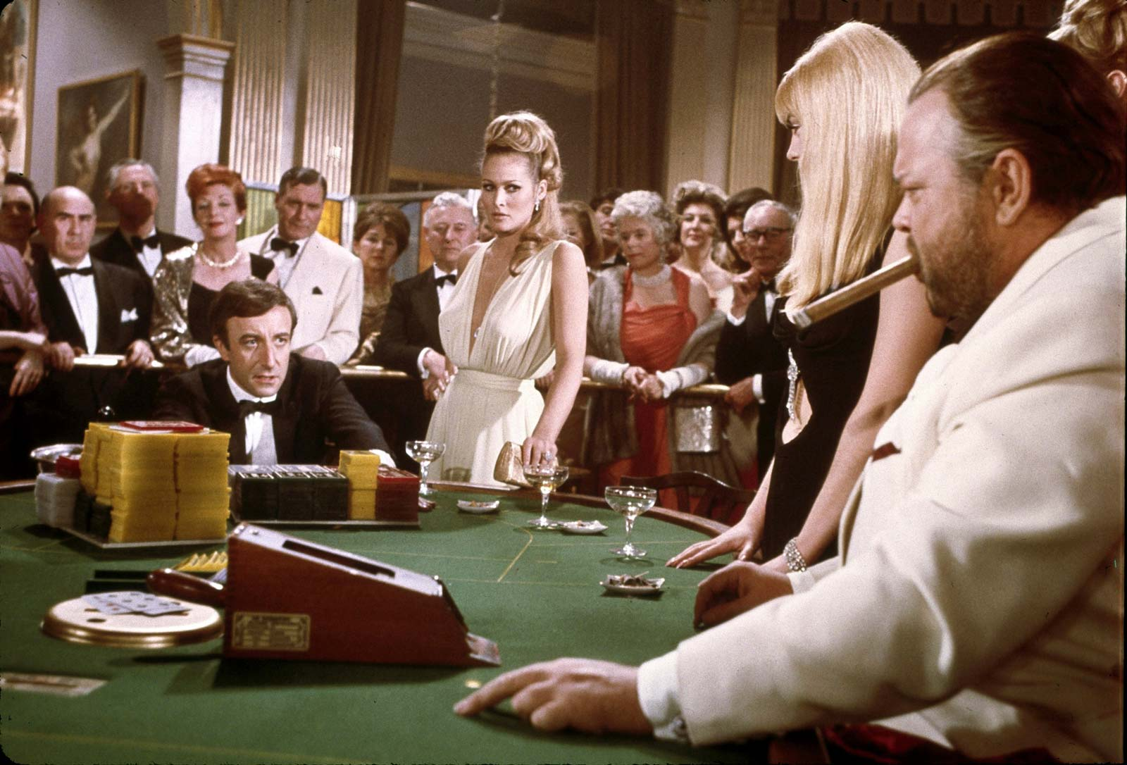 Peter-Sellers-Ursula-Andress-Casino-Royale