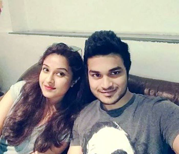 Disha Salian With Her Brother images