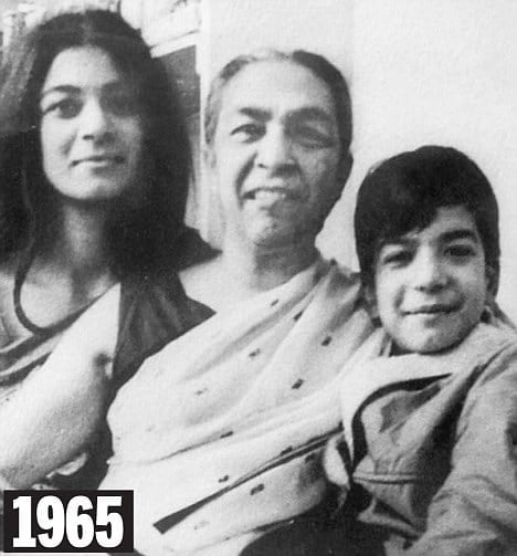 zohra-sehgal-with-her-children