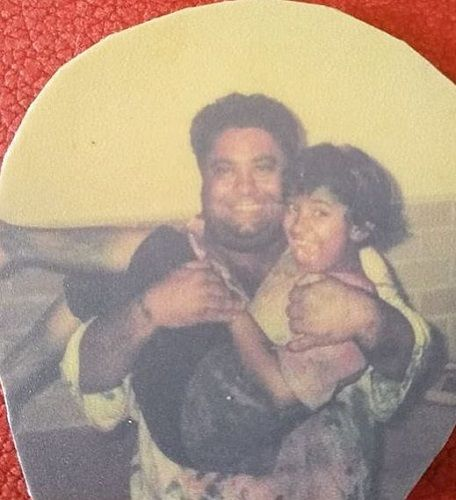An Old Picture of Manoj Pahwa With His Daughter