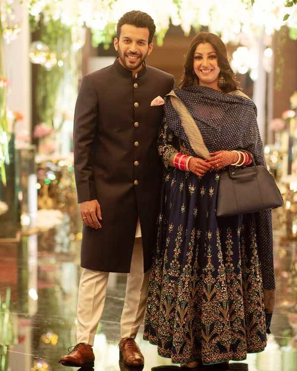 Anjum Sharma with his wife Nilima Sharma
