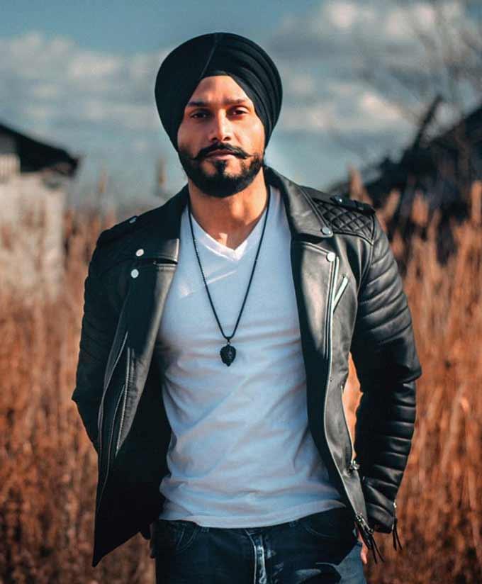 Param Singh Singer Pic 1