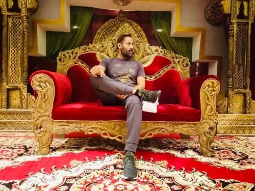 Shaji Choudhary on the set of upcoming movie Bagawat