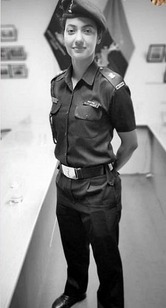 khushboo-patani-army-officer-images