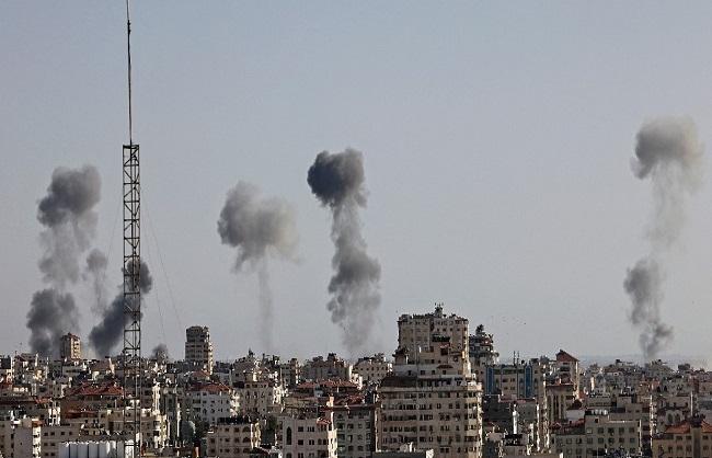 Israeli airstrikes images latest